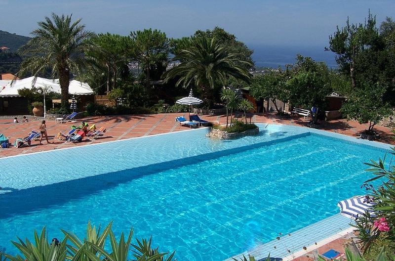 Appartamento Ercole C, vacation rental in Arola-Preazzano