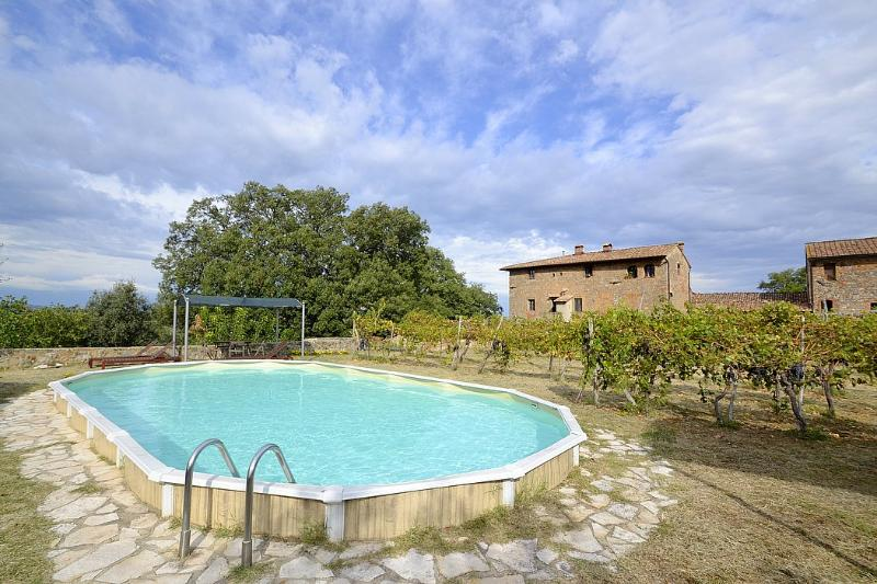 Casa Nagli Villa Sleeps 4 with Pool and WiFi - 5229547, holiday rental in Strove