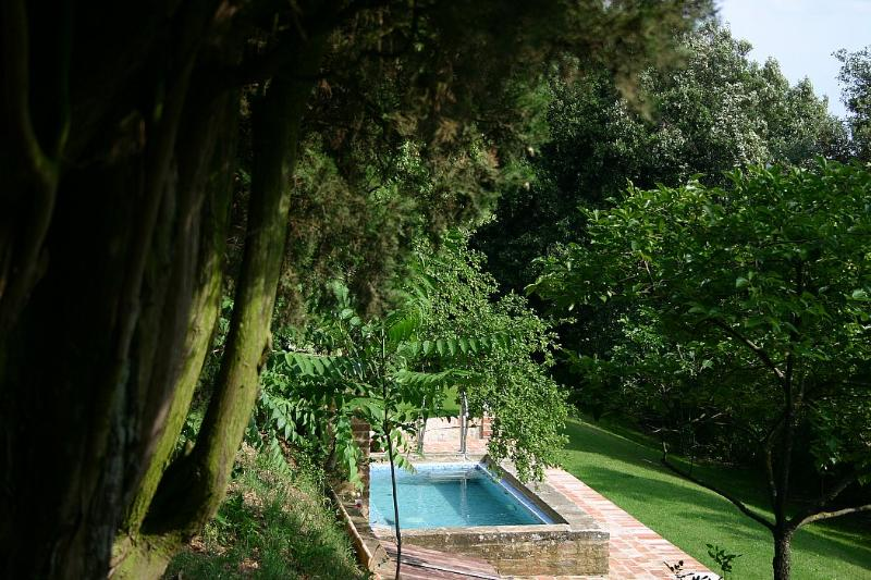 Modanella Villa Sleeps 12 with Pool and WiFi - 5229553, holiday rental in Scrofiano