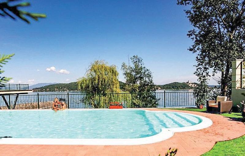 Villa Diaspro C, Ferienwohnung in Meina