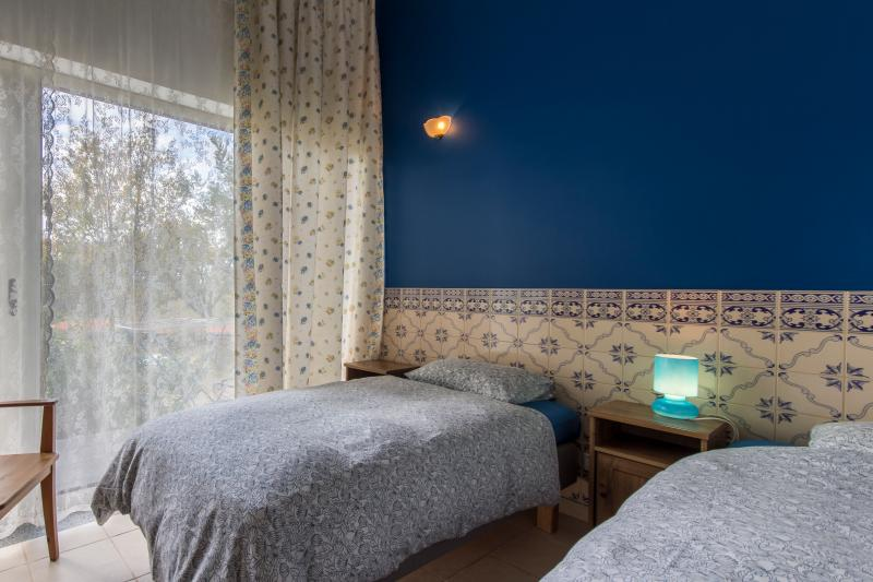 Casa Portuguesa bedroom with 2 single beds