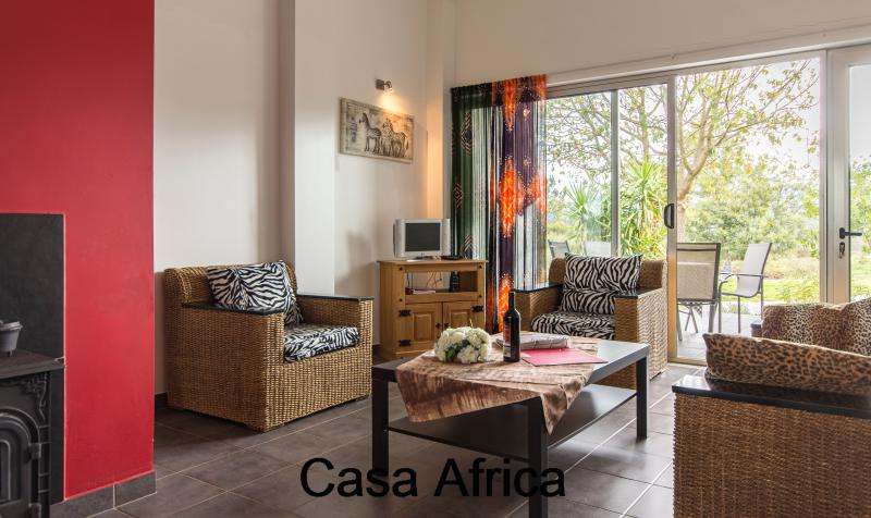 living room with satellite TV casa Africa