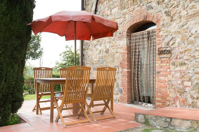 Sant'Antimo Villa Sleeps 4 with Pool and WiFi - 5228341, vacation rental in Castelnuovo dell'Abate