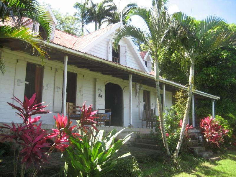 Stylishly Furnished Plantation House, holiday rental in Castries