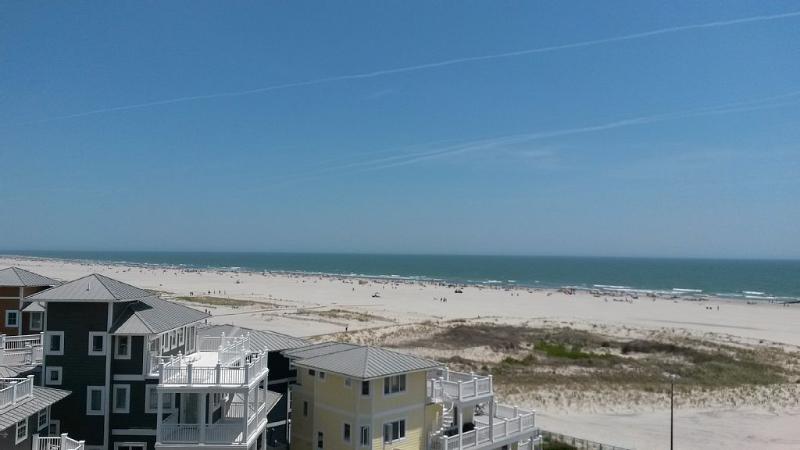 Spectaculaire Ocean Front Condo avec une vue sans fin sur l'océan, avec piscine privée front de plage