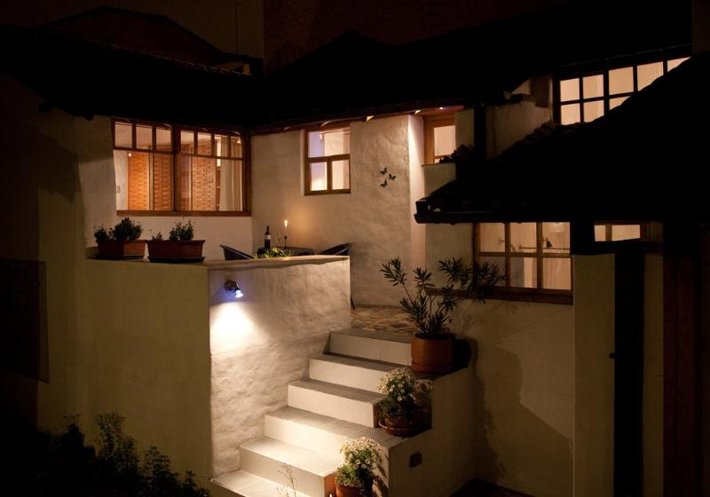 Peaceful Garden Suite Mariposa in Historical Quito, holiday rental in Conocoto