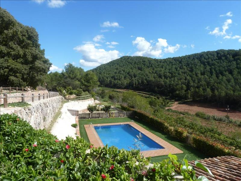 Catalunya Casas: Sublime Villa Mas Godell in famous Catalan wine regions!, holiday rental in Figuerola del Camp