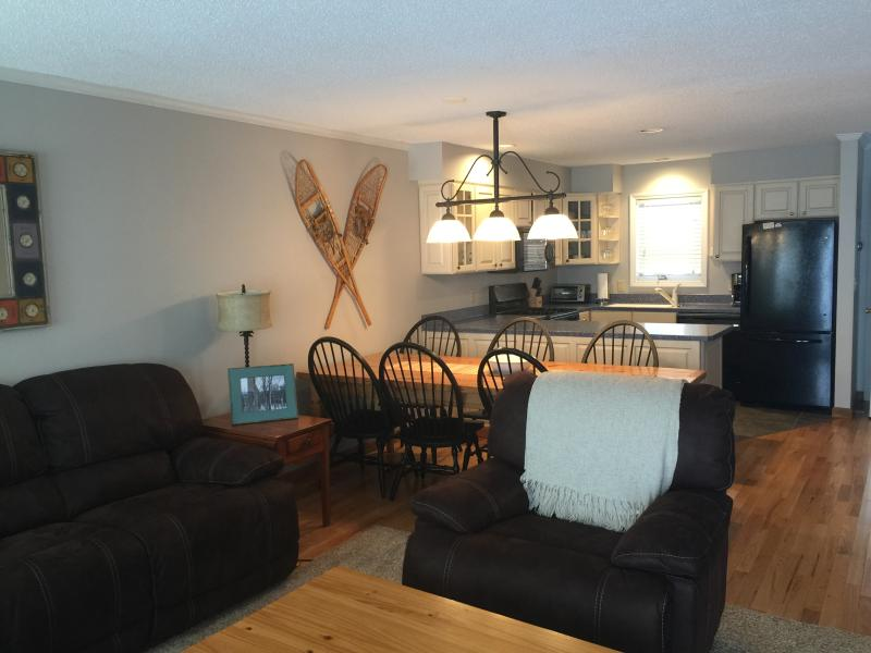 'Not Your Typical Rental' Luxe Burke Mtn 3br Condo, holiday rental in West Pawlet