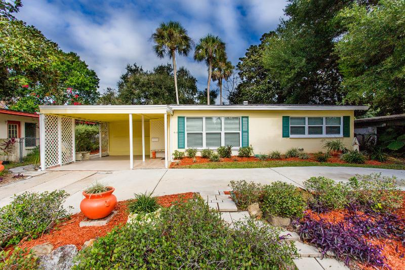 Adorable, Remodeled 2/1  home in Ormond Beach, Ferienwohnung in Ormond Beach