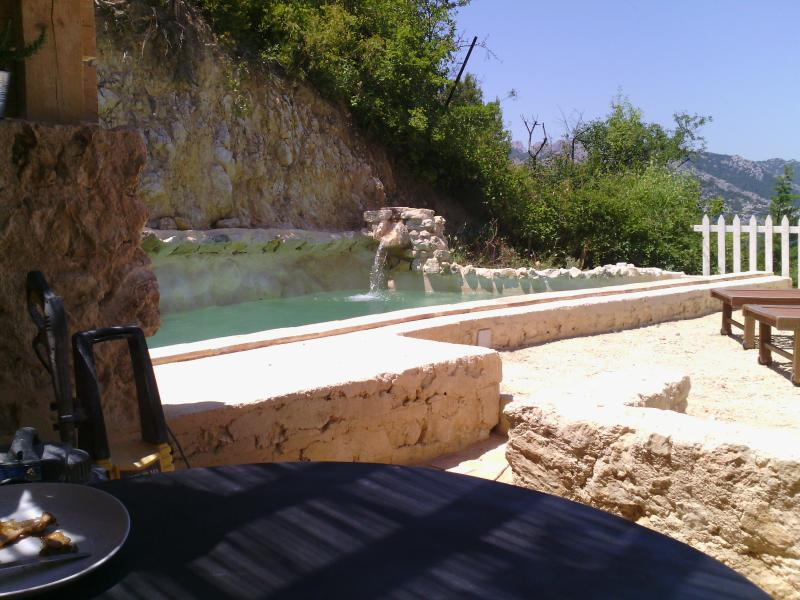terrace Les Dentelles with swimming pool