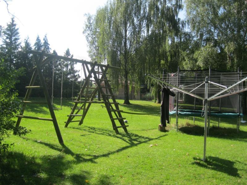 swing y trampolín