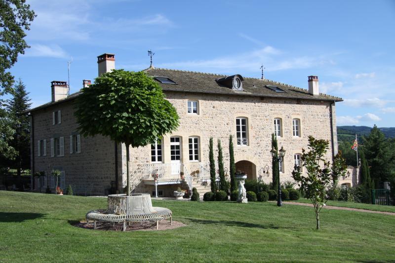 Manoir Montdidier B&B - manor house on property