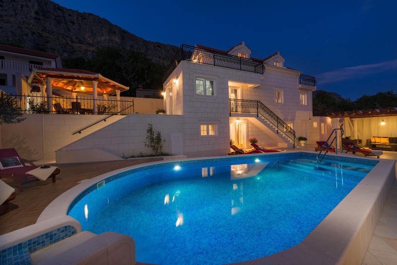 VILLA MAJA heated pool, whirlpool, fitness and sauna
