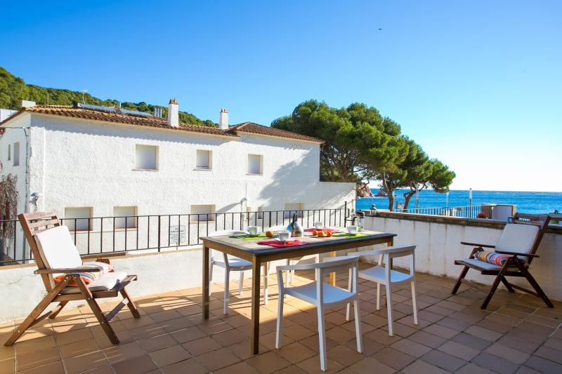 Beautiful apartment with sea views, vacation rental in Palafrugell