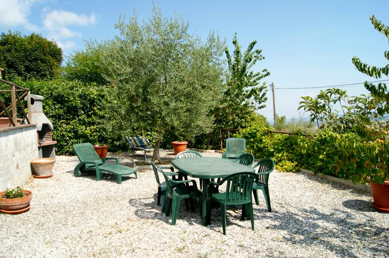 Holiday apartment with panoramic garden, alquiler vacacional en Chianni