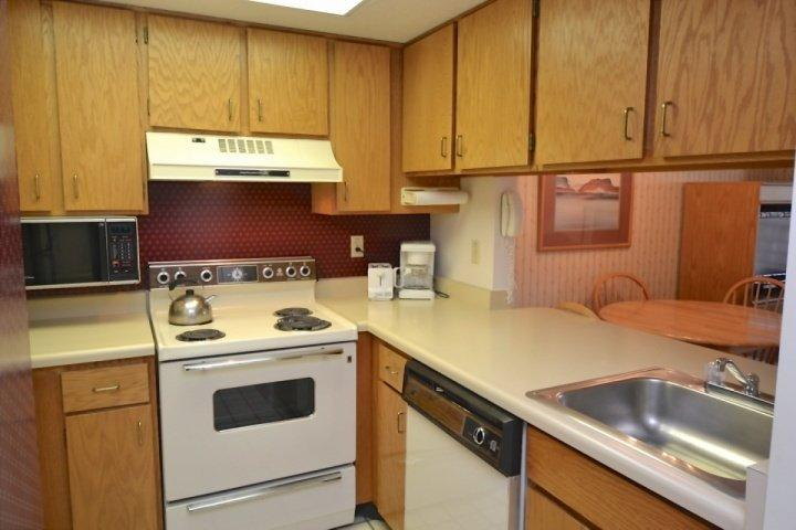 FREE SNOWBOARD or SKI RENTAL! Budget Friendly, No Car Needed-On Bus Route! NEW W Chalet in Park City