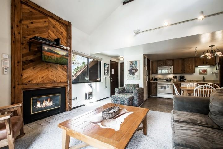 Our Red Pine Condo features a gas fireplace, fully equipped kitchen, washing machine and clothes dryer, HDTV with cable TV and DVD player and BBQ.