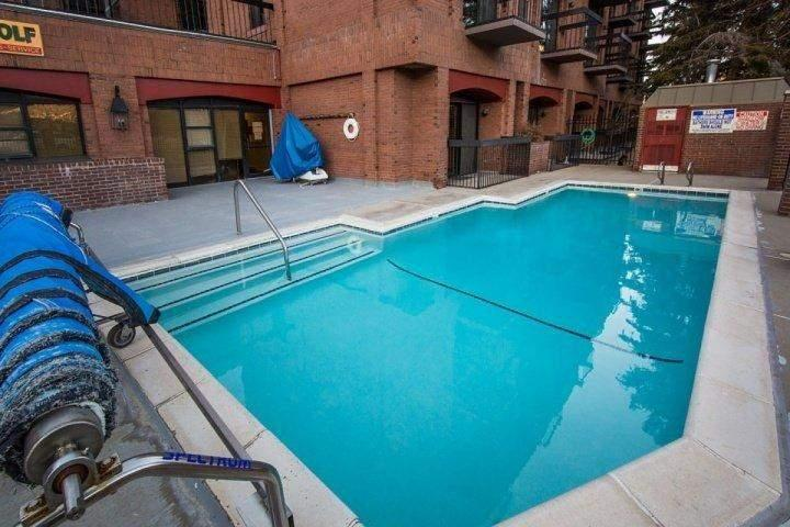 As a part of the Shadow Ridge resort, you have immediate access to great amenities including heated pool, hot tub, sauna & underground parking.