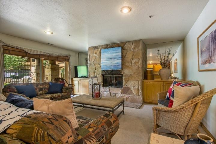 Situato alla base del Park City Mountain Ski Resort, TV Big Screen, TV via cavo, lettore DVD Blu-Ray.