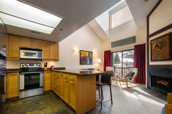 Condominio en el piso superior * Powder Point! Cocina actualizada con desayunador / sofá cama