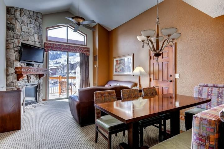 This Westgate Resort Penthouse Suite features 2 bedrooms, 2 baths & 2 kitchens!
