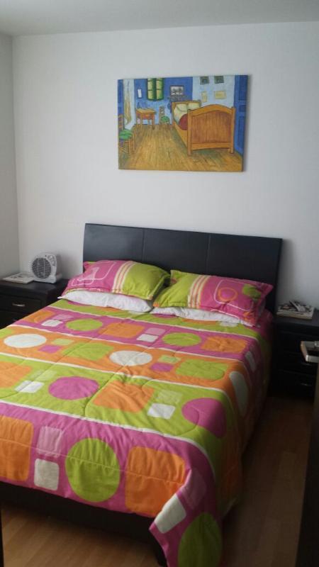 Dormitorio ... COMODO Υ tranquilo
