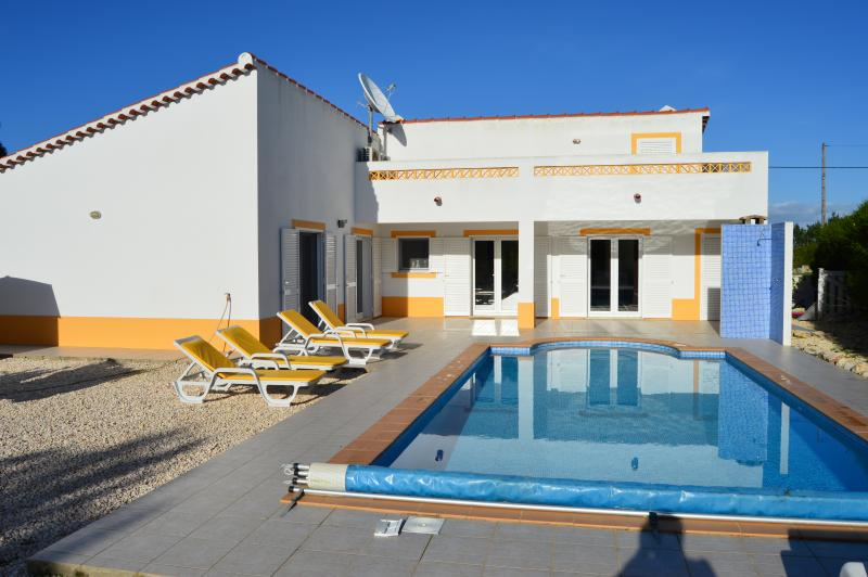 modern, Luxury 3 bedroom villa in Vale da Telha, vacation rental in Aljezur