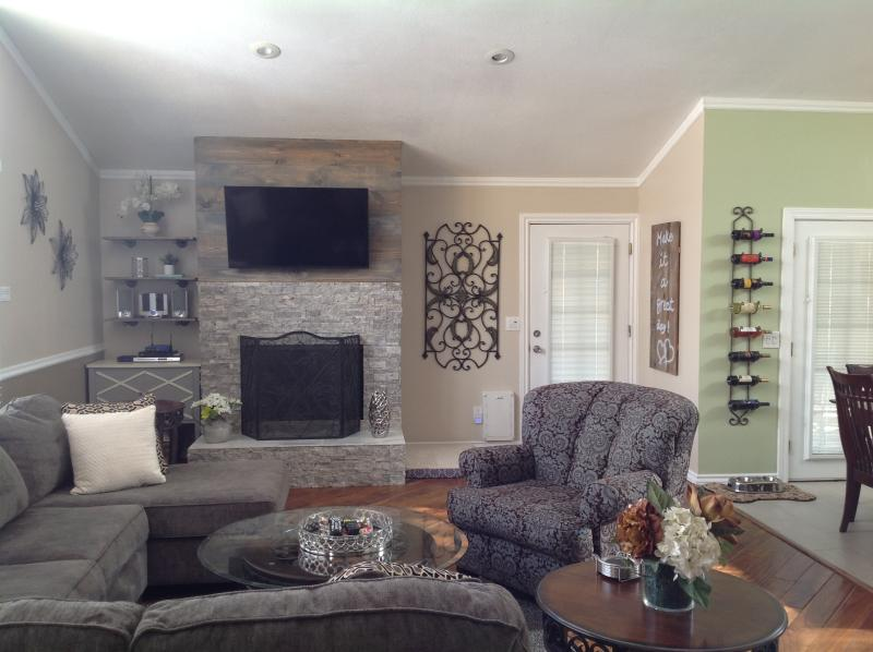 Redesigned fireplace, 42' flatscreen TV, CD's and player, AM/FM radio, Wifi