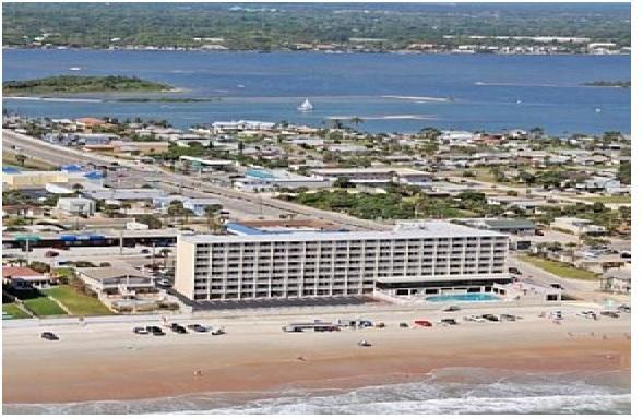 Oceanfront Condo at Daytona Beach, holiday rental in Daytona Beach