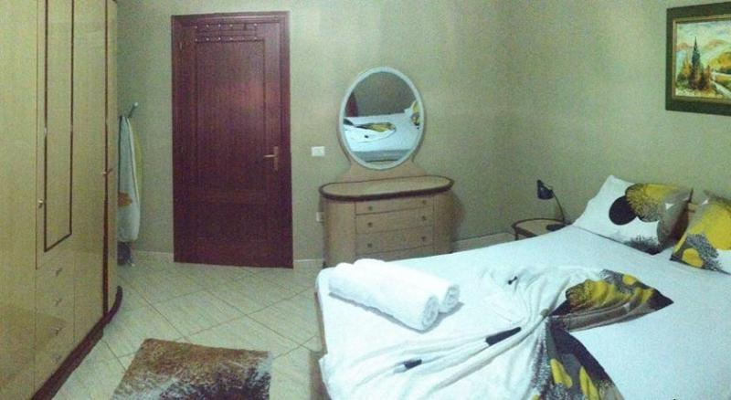 Center apartment Easy, alquiler vacacional en Qerek