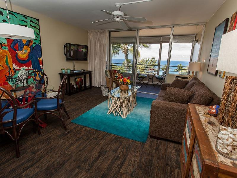 Upcale conocemos por el diseñador. Obras de arte originales. Lujo con vistas desde la mayoría de las habitaciones.
