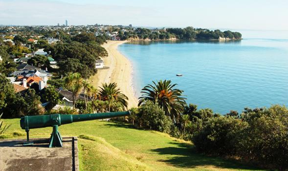 Cheltenham Beach is only 400 metres from Devonia Cottage