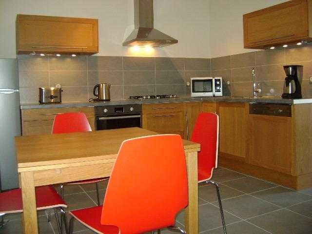 Stylish two bedroom ( maindoor ) apartment, vacation rental in Narbonne