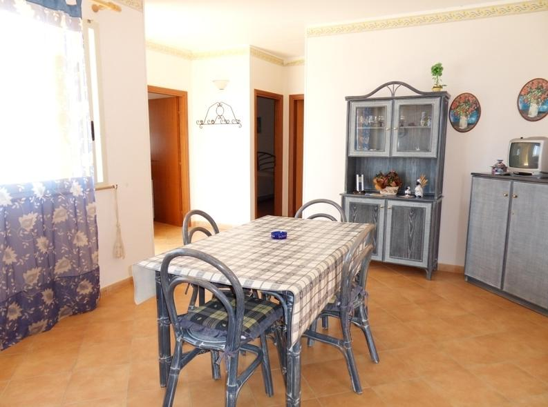 Attico vista mare Guitgia, Ferienwohnung in Lampedusa