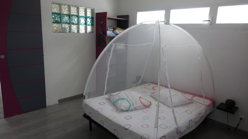 chambre climatisée, lit 140x180