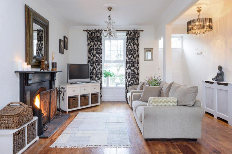 Shelbourne : Elegant Georgian Townhouse in Kenmare (NO BOOKING FEES), aluguéis de temporada em Kenmare