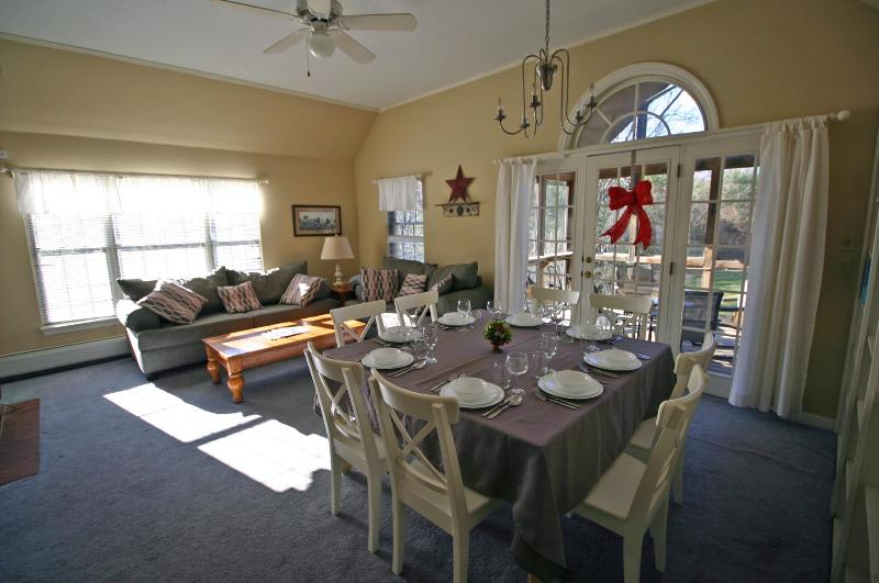 Open space living room and dinning room with lots of natural lights