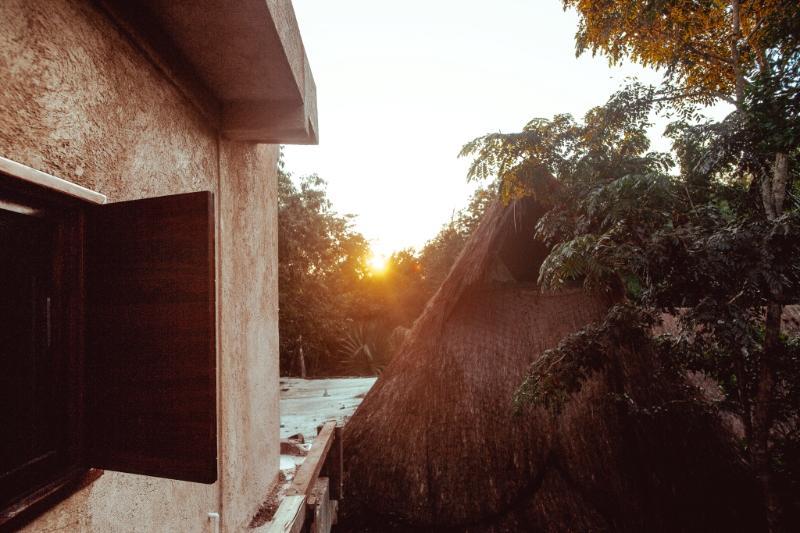 Lever du soleil sur la terrasse