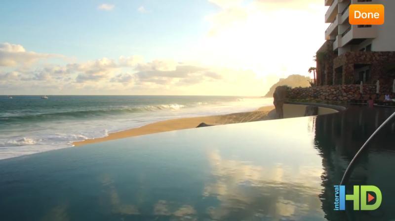 Toutes les piscines offrent la lutte spectaculaire côté océan