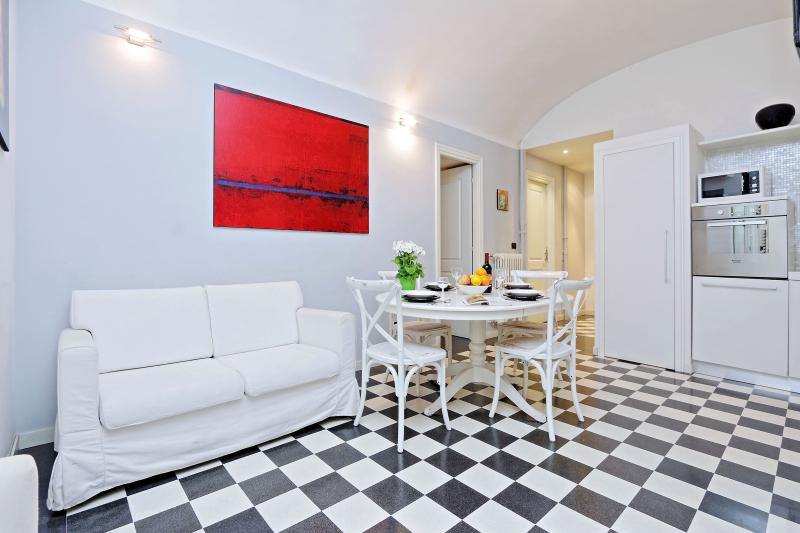Rome Vacation Rental - Living room with kitchen