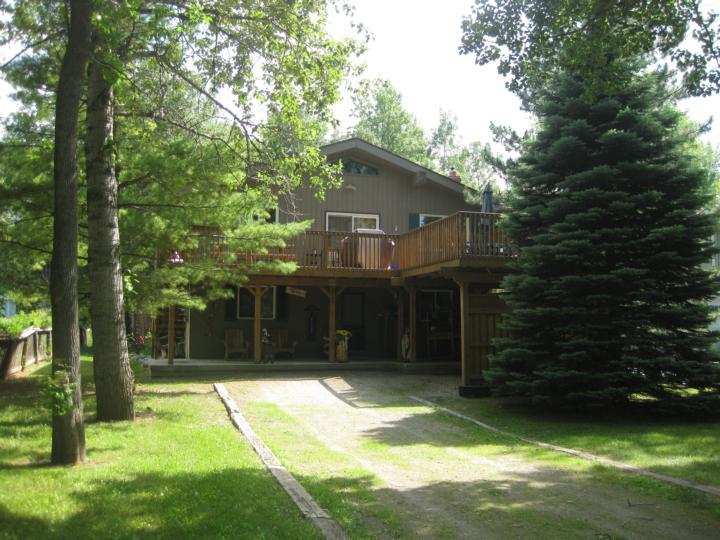 Chalet Getaway 4 Seasonal Escape  is your home away from home......, vacation rental in Craigleith