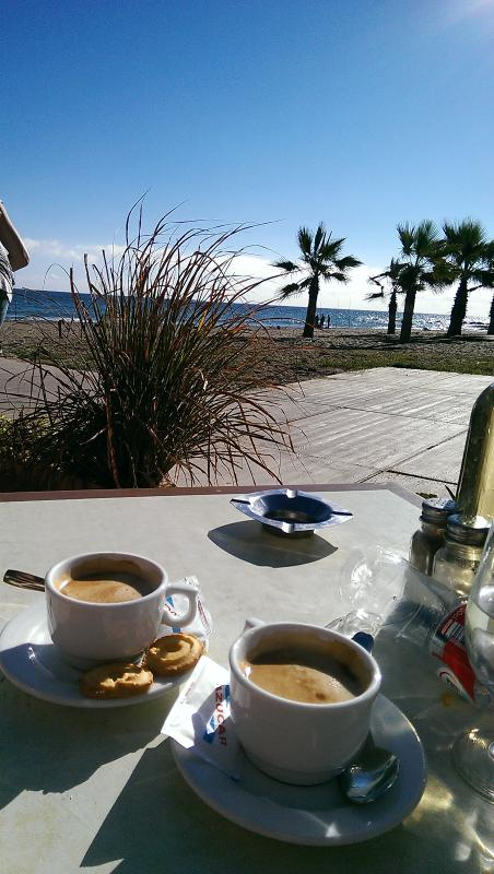Stop off during a stroll for a cafe con leche!