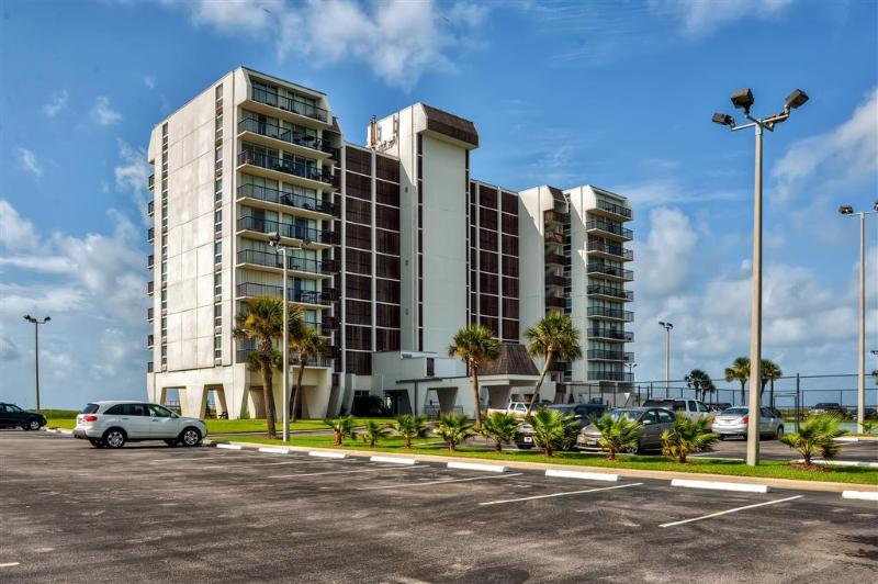 Let this outstanding Galveston vacation rental studio condo serve as your home base for exploring the Texas Gulf Coast!
