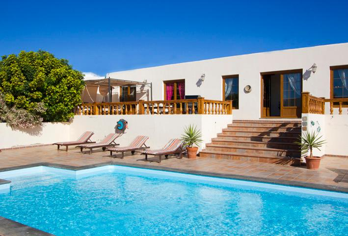 Nazaret Villa Sleeps 10 with Pool - 5825264, vacation rental in Las Laderas