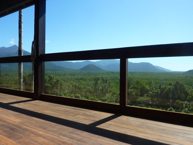 Mountain and Ocean Views from La Vista daintreeholidayhomes
