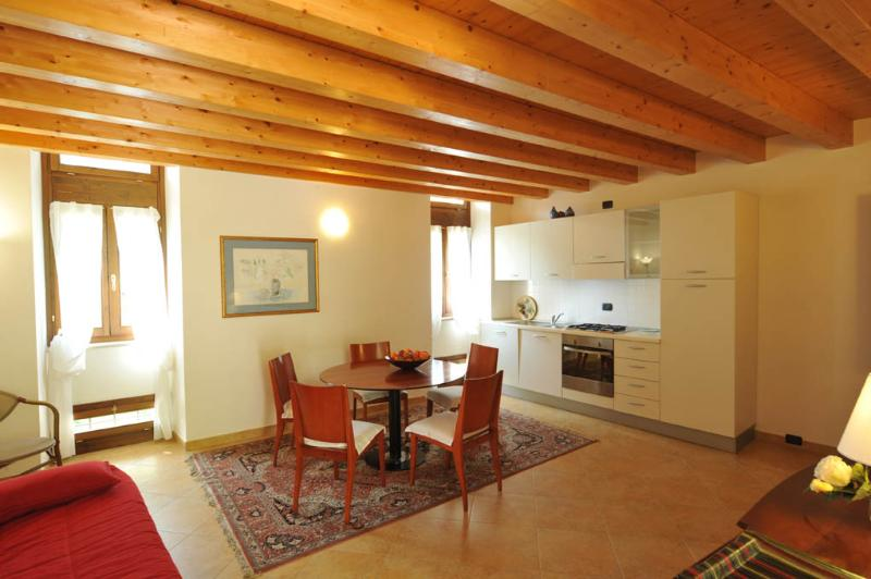 Charming apartment 'Mandarino', alquiler vacacional en Caprino Veronese