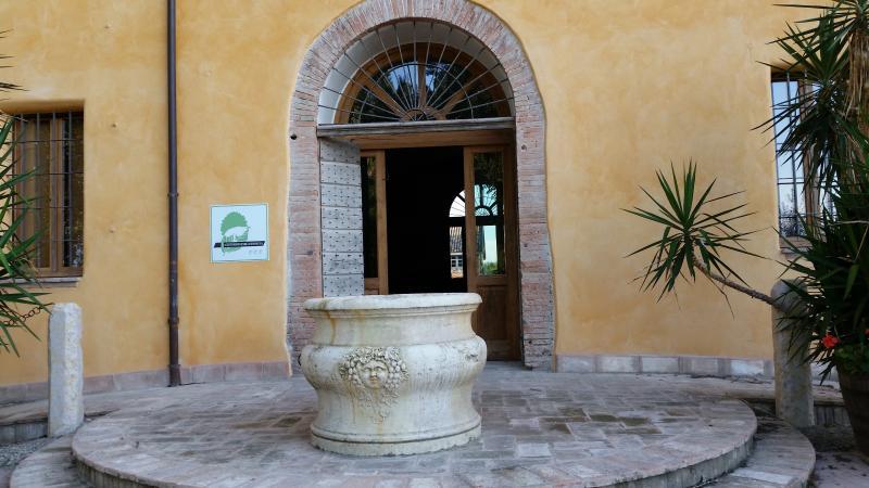 Agriturismo Arco Antico ed area camper, location de vacances à Dosolo