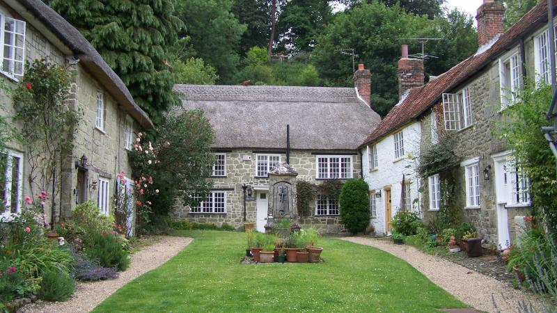 Picturesque Thatched Dorset Country Cottage., location de vacances à Bedchester
