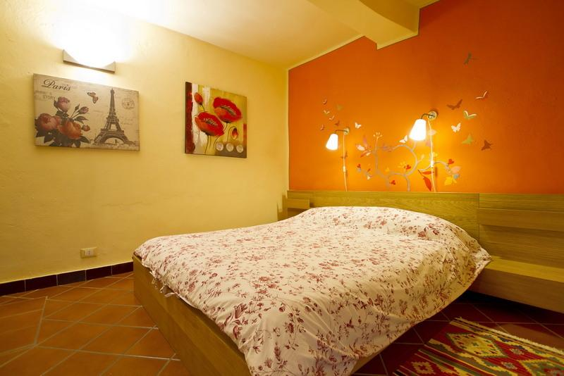 Double room on the main square, vacation rental in Armeno