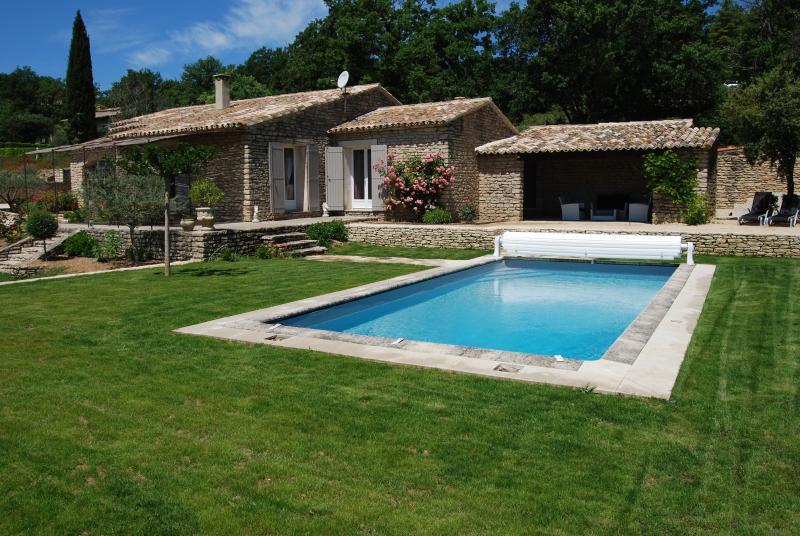 mas des oliviers gite grossane, holiday rental in Saint-Pantaleon